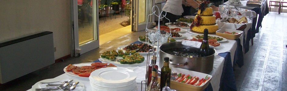 Agriturismo La Valletta — Ricchi buffet di piatti
